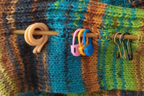 Jak používat značkovače oček při pletení